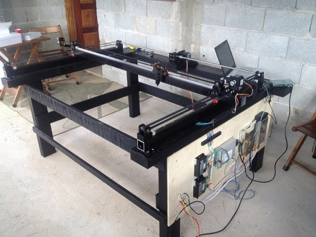 wood table co2 laser cutting machine  made  by customer